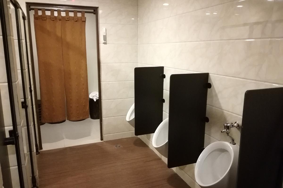 トイレとシャワールームは一緒