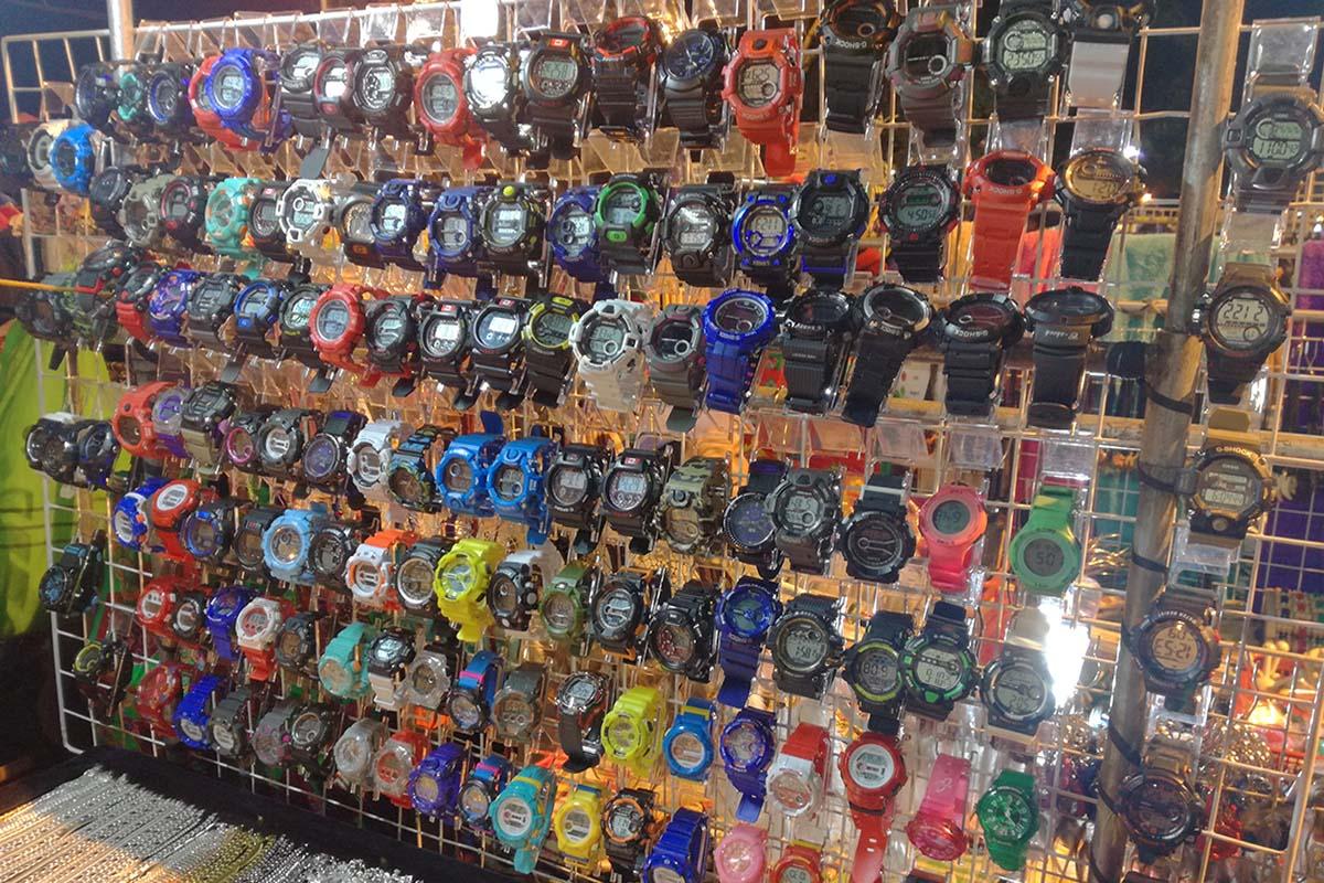 バギオナイトマーケット 新品時計(偽ブランド物)
