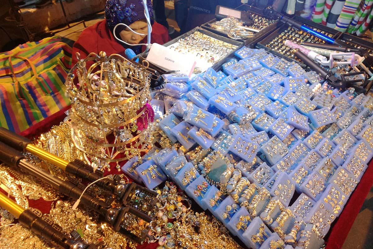 バギオナイトマーケット シルバーアクセサリー