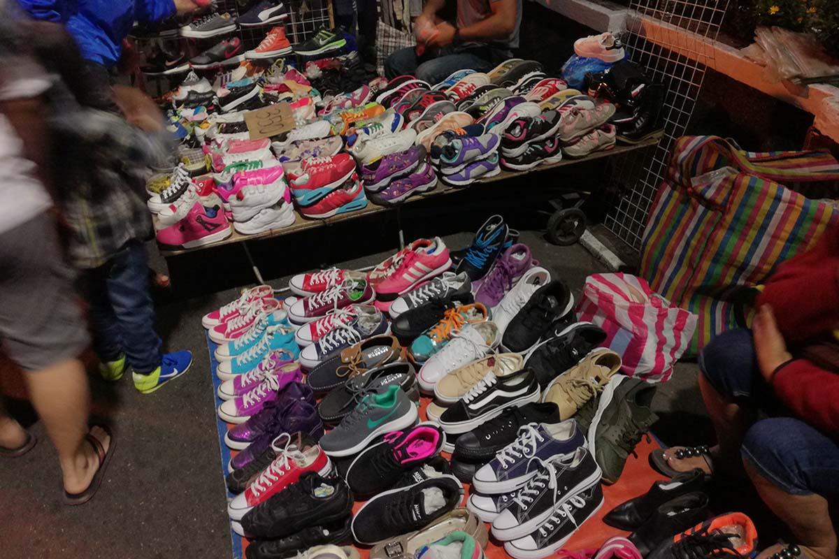 バギオナイトマーケット 古靴