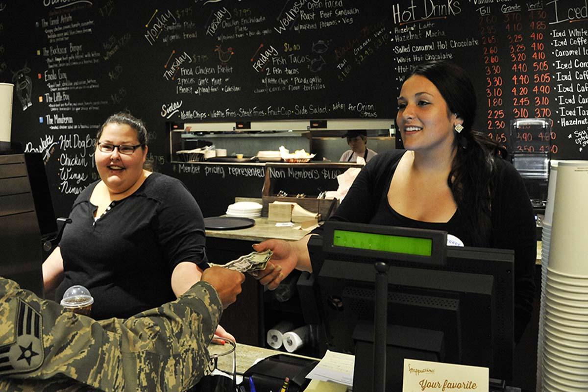 レストラン、カフェで会計時に使える簡単英会話フレーズ