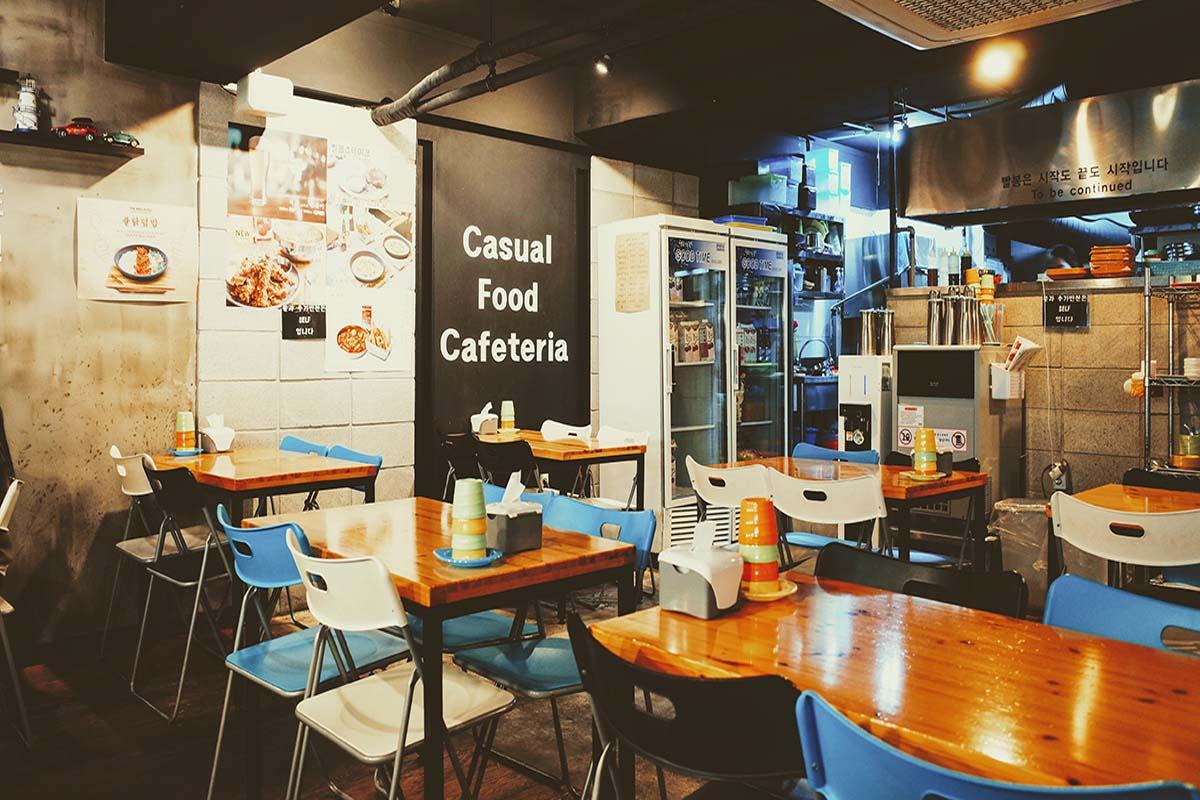 レストラン、カフェ入店時に使える簡単英会話フレーズ