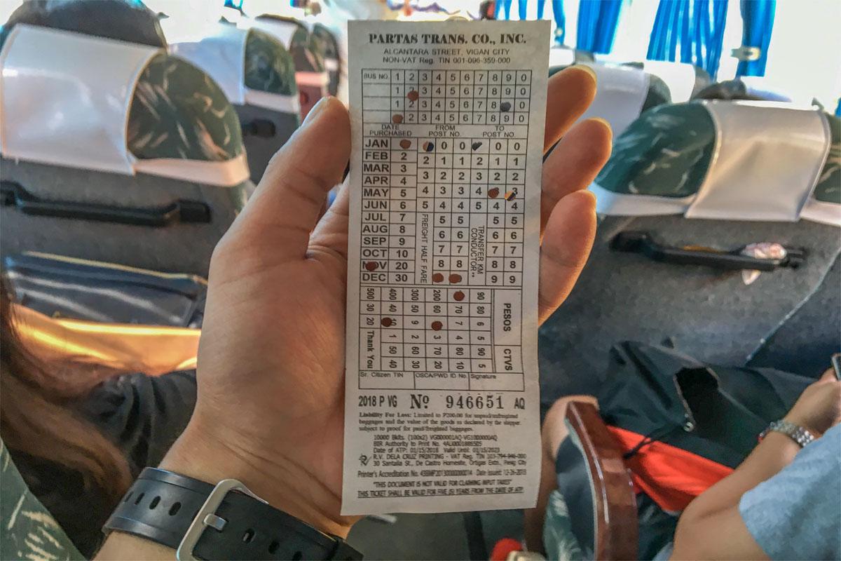 バギオからサンファンまでのバスの運賃はたったの118ペソ